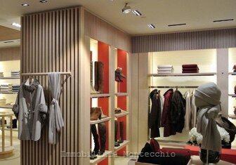 negozio---attività-commerciale-in-affitto-locazione---bolzano-0